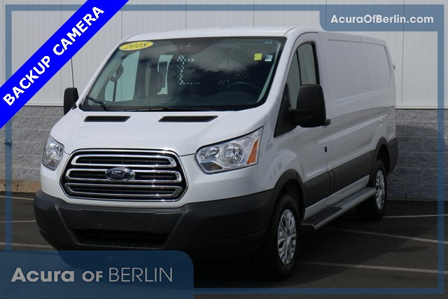 Ford Transit 250 >> Pre Owned 2018 Ford Transit 250 Base 3d Low Roof Cargo Van In Berlin